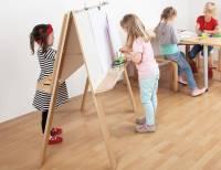 Staffelei für vier Kinder