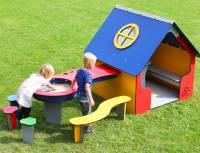 Spielhaus Marguerite mit Matschtisch
