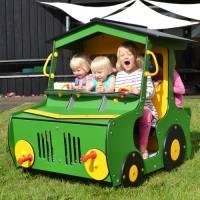 Spielhaus Traktor